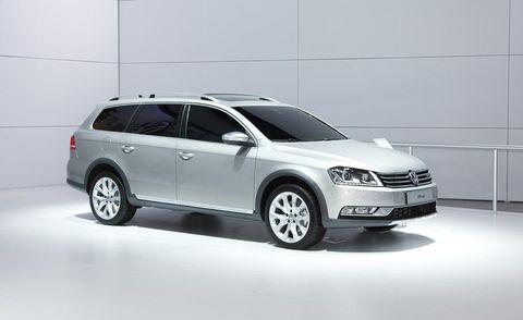 Tire, Wheel, Automotive design, Product, Automotive tire, Vehicle, Automotive mirror, Glass, Land vehicle, Car,