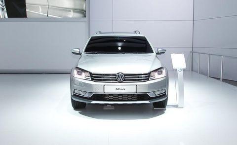 Automotive design, Product, Vehicle, Land vehicle, Car, Automotive exterior, Grille, Glass, Automotive lighting, Headlamp,