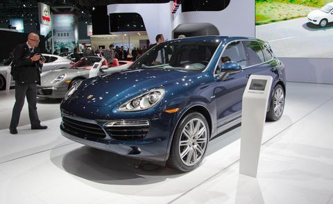 Tire, Wheel, Motor vehicle, Automotive design, Land vehicle, Vehicle, Automotive tire, Automotive wheel system, Rim, Car,