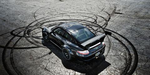 Automotive design, Rim, Automotive tire, Car, Hood, Automotive exterior, Fender, Spoke, Alloy wheel, Vehicle door,