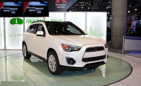 Tire, Motor vehicle, Wheel, Automotive design, Product, Vehicle, Land vehicle, Automotive lighting, Headlamp, Automotive mirror,
