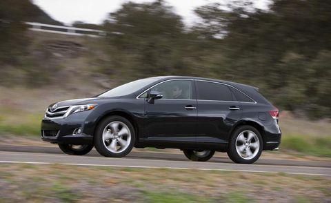 Tire, Wheel, Automotive tire, Vehicle, Automotive design, Land vehicle, Alloy wheel, Car, Rim, Automotive mirror,