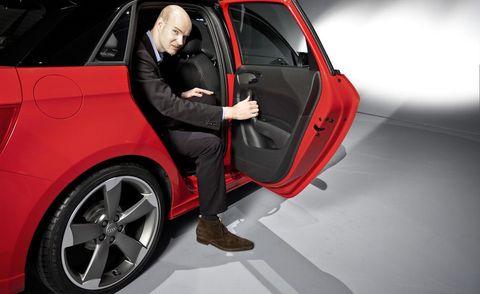 Automotive design, Vehicle, Vehicle door, Alloy wheel, Car, Automotive exterior, Fender, Rim, Automotive tire, Automotive wheel system,