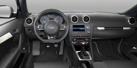 Motor vehicle, Steering part, Mode of transport, Automotive design, Steering wheel, Transport, Center console, Vehicle audio, White, Speedometer,