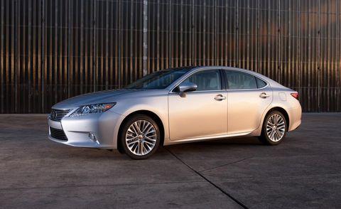Tire, Wheel, Automotive design, Vehicle, Rim, Alloy wheel, Car, Spoke, Full-size car, Mid-size car,