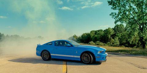 Tire, Wheel, Automotive design, Vehicle, Hood, Alloy wheel, Rim, Road, Automotive tire, Car,