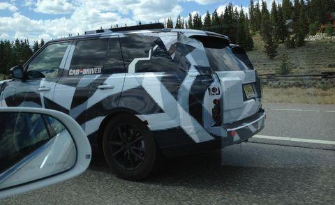 Vehicle, Automotive exterior, Automotive design, Automotive mirror, Automotive tire, Automotive tail & brake light, Automotive parking light, Car, Vehicle door, Rim,