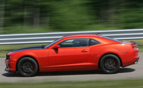 Tire, Wheel, Automotive design, Vehicle, Automotive tire, Land vehicle, Car, Performance car, Rim, Alloy wheel,