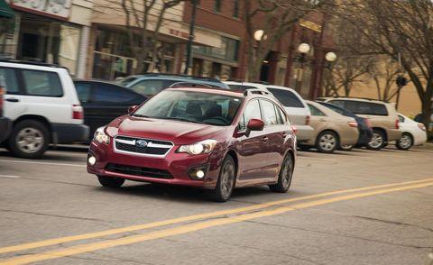 Tire, Wheel, Motor vehicle, Land vehicle, Vehicle, Window, Alloy wheel, Automotive parking light, Rim, Car,