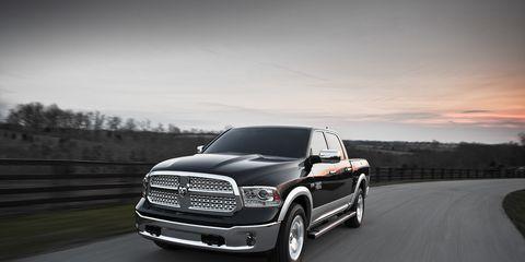 Tire, Automotive tire, Automotive design, Vehicle, Rim, Automotive exterior, Alloy wheel, Automotive lighting, Grille, Road,
