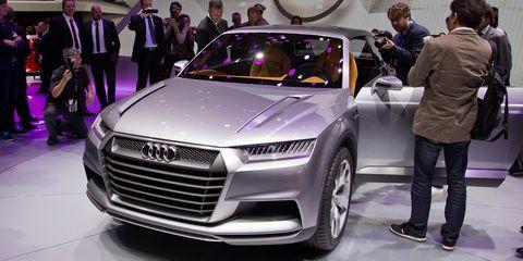 Automotive design, Product, Event, Vehicle, Land vehicle, Car, Grille, Auto show, Exhibition, Personal luxury car,