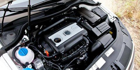 Automotive design, Engine, Automotive exterior, Automotive engine part, Personal luxury car, Luxury vehicle, Hood, Bumper, Automotive air manifold, Automotive super charger part,