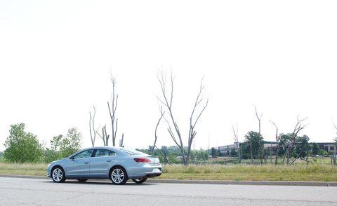 Wheel, Road, Automotive design, Rim, Automotive parking light, Alloy wheel, Road surface, Automotive lighting, Car, Asphalt,