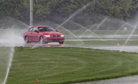Vehicle, Land vehicle, Motorsport, Car, Racing, Auto racing, Full-size car, Performance car, Plain, Sports car racing,