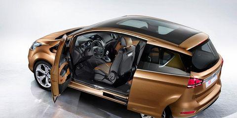Tire, Automotive design, Vehicle, Automotive exterior, Automotive tail & brake light, Vehicle door, Automotive mirror, Car, Trunk, Fender,