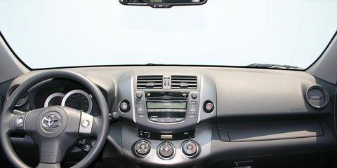 Motor vehicle, Mode of transport, Automotive mirror, Automotive design, Product, Steering part, Steering wheel, Transport, White, Technology,