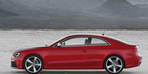 Tire, Wheel, Automotive design, Vehicle, Alloy wheel, Rim, Automotive wheel system, Automotive lighting, Car, Automotive tire,