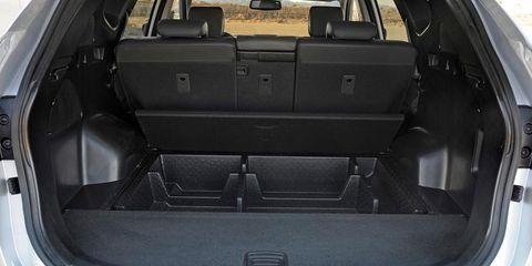 Trunk, Automotive exterior, Car, Vehicle door, Personal luxury car, Luxury vehicle, Hood, Bumper, Car seat, City car,