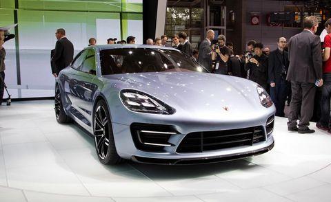 Automotive design, Vehicle, Land vehicle, Performance car, Car, Rim, Personal luxury car, Fender, Sports car, Alloy wheel,