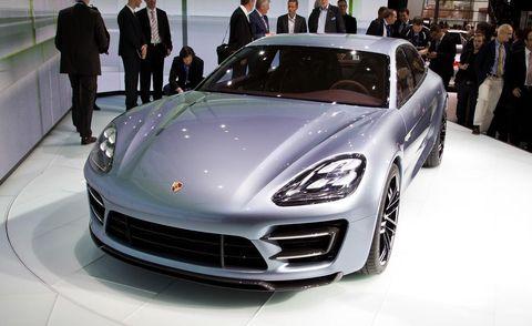 Tire, Wheel, Automotive design, Vehicle, Land vehicle, Event, Car, Personal luxury car, Performance car, Grille,