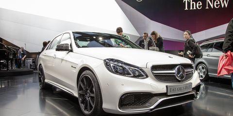 Tire, Wheel, Motor vehicle, Mode of transport, Automotive design, Vehicle, Land vehicle, Car, Grille, Mercedes-benz,