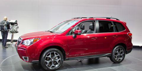 Tire, Motor vehicle, Wheel, Automotive design, Product, Vehicle, Glass, Automotive tire, Car, Rim,