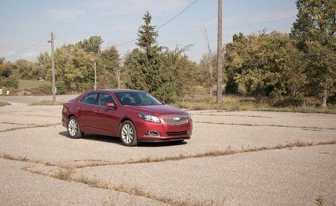 Tire, Wheel, Road, Automotive design, Automotive mirror, Vehicle, Infrastructure, Rim, Automotive parking light, Car,