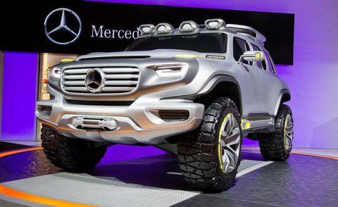 Motor vehicle, Wheel, Automotive design, Automotive tire, Vehicle, Automotive exterior, Grille, Automotive wheel system, Rim, Alloy wheel,