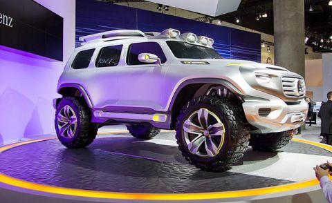 Motor vehicle, Tire, Wheel, Automotive design, Automotive exterior, Automotive tire, Vehicle, Automotive wheel system, Grille, Rim,
