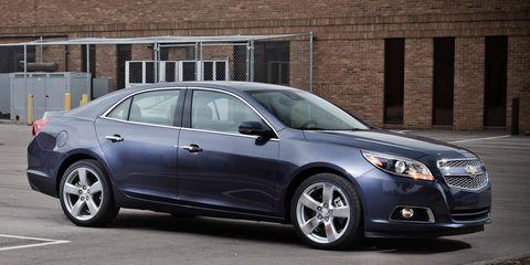 Tire, Wheel, Vehicle, Land vehicle, Automotive design, Rim, Car, Alloy wheel, Glass, Full-size car,