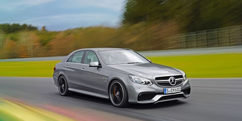 Tire, Mode of transport, Automotive design, Vehicle, Rim, Car, Alloy wheel, Grille, Mercedes-benz, Automotive lighting,