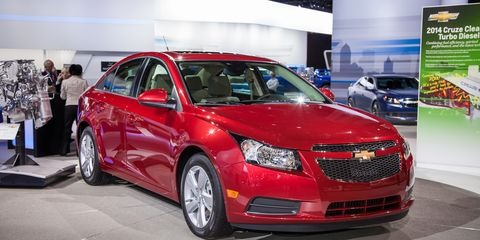 2014 Chevrolet Cruze Diesel Photos and Info –