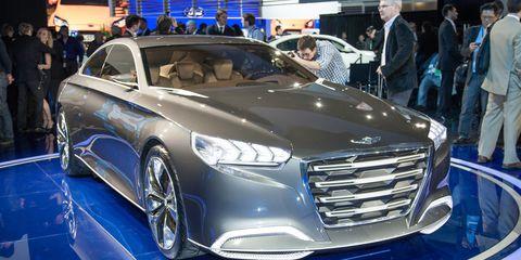 Tire, Wheel, Automotive design, Vehicle, Event, Land vehicle, Car, Grille, Personal luxury car, Auto show,