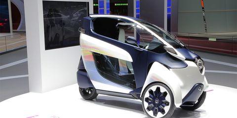 Motor vehicle, Automotive design, Concept car, Vehicle door, Auto show, City car, Exhibition, Alloy wheel, Automotive mirror, Hatchback,