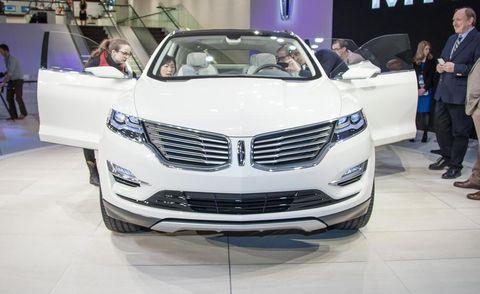 Automotive design, Vehicle, Event, Land vehicle, Grille, Car, Auto show, Exhibition, Personal luxury car, Luxury vehicle,