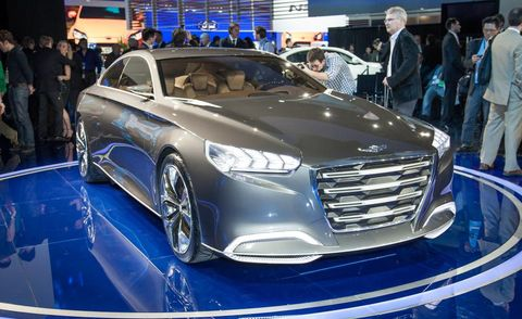 Automotive design, Vehicle, Event, Car, Grille, Personal luxury car, Auto show, Exhibition, Luxury vehicle, Automotive lighting,