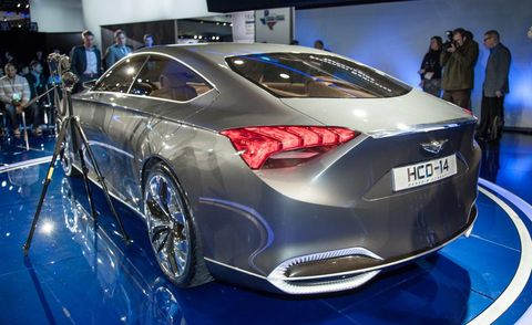 Automotive design, Vehicle, Event, Land vehicle, Car, Auto show, Exhibition, Personal luxury car, Fashion, Luxury vehicle,