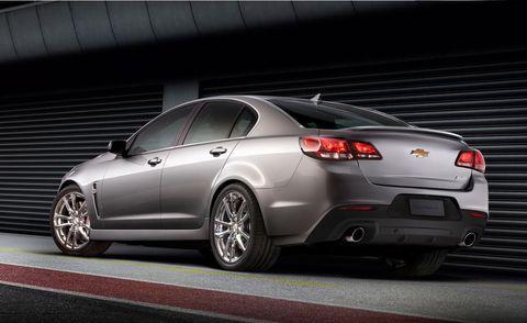 Tire, Wheel, Mode of transport, Automotive design, Alloy wheel, Vehicle, Automotive tire, Rim, Automotive lighting, Car,