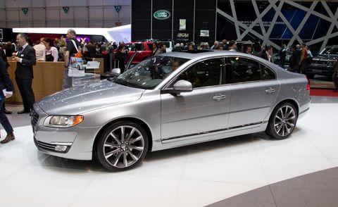 Tire, Wheel, Automotive design, Vehicle, Land vehicle, Alloy wheel, Rim, Automotive tire, Car, Spoke,