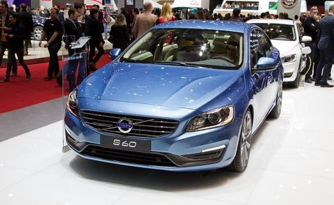Automotive design, Vehicle, Event, Land vehicle, Car, Grille, Personal luxury car, Auto show, Exhibition, Mid-size car,