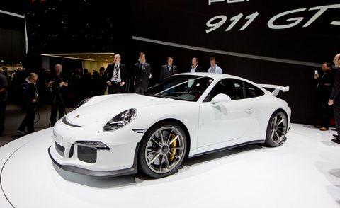 Tire, Wheel, Automotive design, Vehicle, Land vehicle, Car, Alloy wheel, Automotive wheel system, Performance car, Rim,