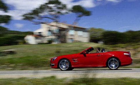 Tire, Wheel, Automotive design, Vehicle, Alloy wheel, Car, Performance car, Roadster, Rim, Fender,
