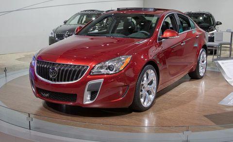 Motor vehicle, Wheel, Mode of transport, Automotive design, Vehicle, Event, Land vehicle, Car, Grille, Automotive lighting,