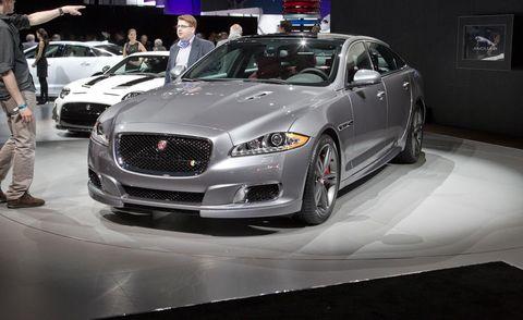 Tire, Automotive design, Vehicle, Event, Land vehicle, Grille, Car, Personal luxury car, Automotive lighting, Mid-size car,