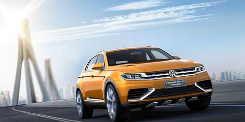 Tire, Wheel, Mode of transport, Automotive design, Automotive mirror, Vehicle, Land vehicle, Transport, Automotive parking light, Car,