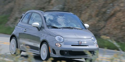 Motor vehicle, Automotive design, Vehicle, Automotive mirror, Land vehicle, Rim, Automotive wheel system, Car, Alloy wheel, Automotive tire,