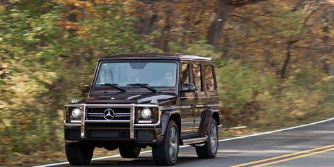 Tire, Mode of transport, Automotive tire, Automotive design, Transport, Automotive parking light, Automotive exterior, Road, Mercedes-benz g-class, Rim,