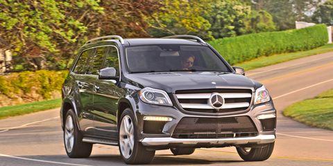 Tire, Wheel, Automotive design, Vehicle, Road, Land vehicle, Grille, Car, Mercedes-benz, Automotive mirror,