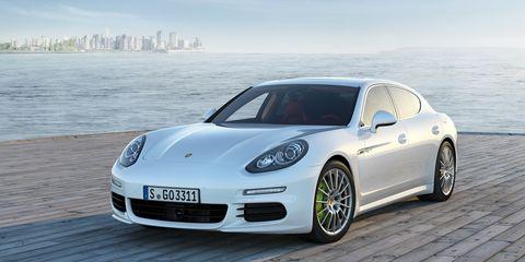 Tire, Wheel, Automotive design, Vehicle, Rim, Car, Alloy wheel, Fender, Performance car, Automotive wheel system,