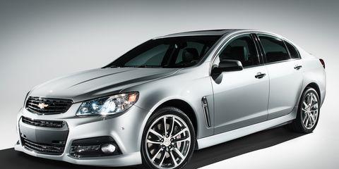 Wheel, Product, Daytime, Automotive design, Vehicle, Glass, Automotive lighting, Headlamp, Car, Rim,